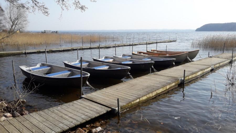Bryggor och båtar